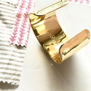 Lilly Pulitzer Jewelry - Lilly Pulitzer Gold Sea Treasure Cuff Bracelet